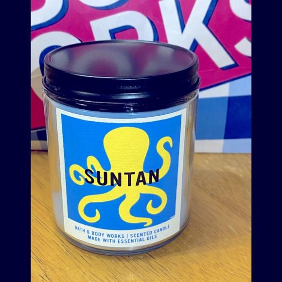 Bath & Body Works Suntan Scented 7 oz Candle